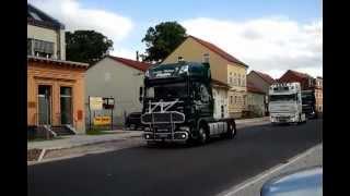 preview picture of video 'Hochzeitskonvoi mit unzähligen Trucks in Velten'