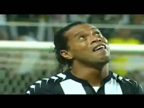 Ronaldinho, su hat-trick y el llanto