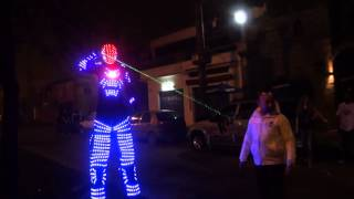 preview picture of video 'Robots en La Nueva Reserva Longchamps Viernes 29/06/2012 PARTE 3'