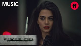 "Shadowhunters | Season 3, Episode 10 Music: Ruelle - ""Fire Meets Fate"" 