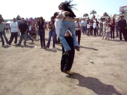 how to dance mexican corridos