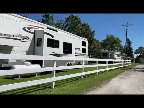 Come for a little drive with me as I enter the campground