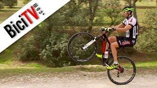 Caballito en bici. Curso de conducción de bicicleta #2