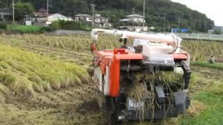 自動稲刈り機