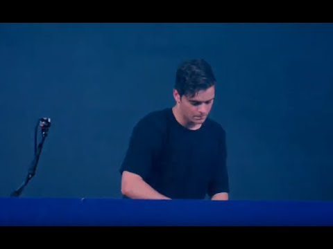 Martin Garrix - Scared To Be Lonely (Live 2017)