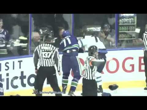 Jacob Cederholm vs Zack MacEwen