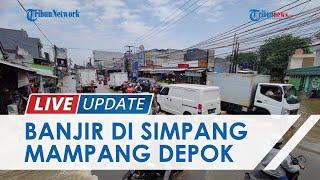 LIVE UPDATE: Nekat Terjang Banjir di Perempatan Mampang Depok, Banyak Pemotor Jatuh