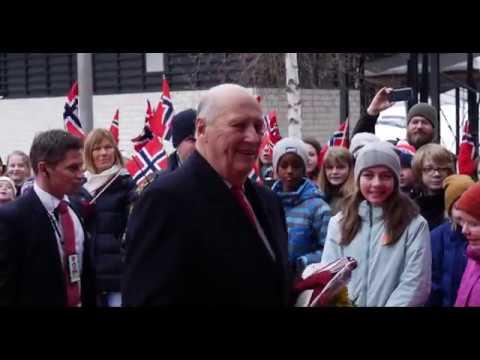 Hans Majestet Kong HaraldV besøker Kongsberg Gruppen
