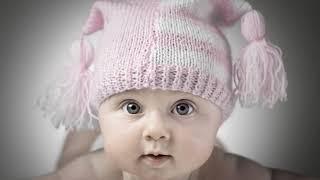 Когда ребенок начинает смеяться в голос, со звуком, вслух?