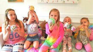 VLOG В гостях у Николь и Алисы PLAY DATE Giant LOL большой сюрприз Открываем ЛОЛ куклы и pets
