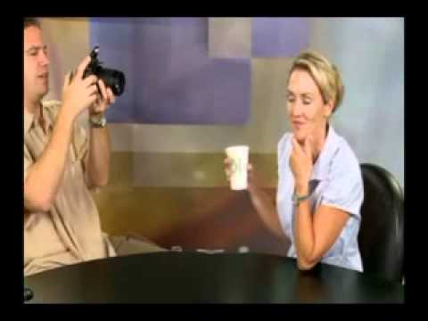 Nikon D90 Digital SLR Camera Review.flv