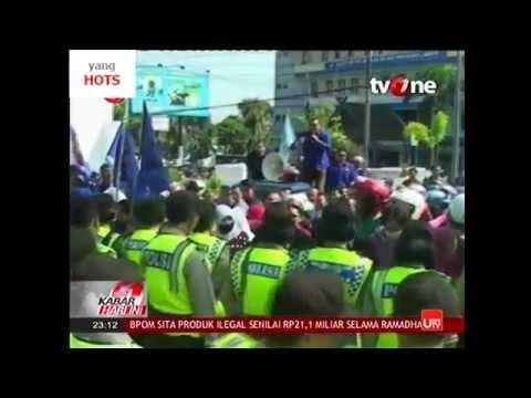 Kisruh BPJS Ketenagakerjaan - Demo Buruh Tolak Aturan Baru BPJS Ketenagakerjaan Jaminan Hari Tua JHT