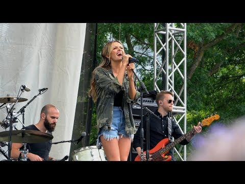 Carly Pearce - Live at 2018 CountryFest in Portland, OR