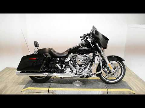 2015 Harley-Davidson Street Glide® in Wauconda, Illinois - Video 1