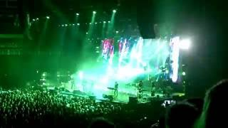 The Cure – A Forest – 10 min. Long Version @ O2 Arena Praha 22-10-2016