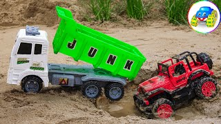 Cars unfortunately get stuck in the sand - Team Ambulances come to the rescue - Kid Studio