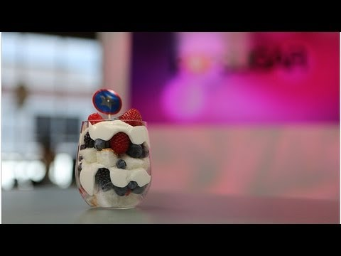 Video Healthy Mixed Berry Trifle for 4th of July! | Healthy Recipes