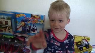 Что подарить мальчику на 4 года?
