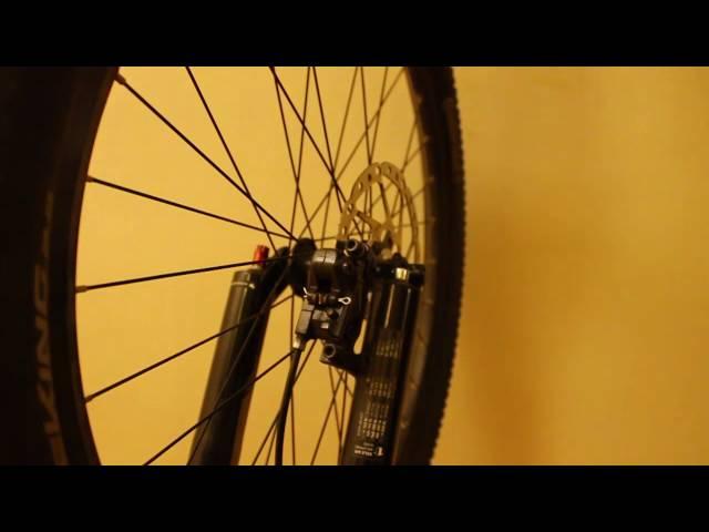 Видео Калипер дисковый гидравлический Shimano Acera BR-MT400 Postmount
