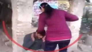 Two sisters Beat a Man Over eve teasing in Uttar Pradesh