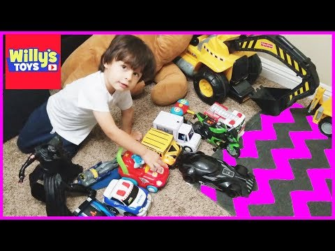Kid Playing with Toy Cars and Trucks and Motorcyle - BATMAN and Darth Vader Mobile - Willys Toys