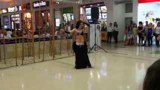 preview picture of video 'Baile árabe con Danza Isis Trup en Unicentro Armenia'