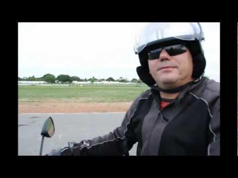 Impressões ao pilotar Moto Traxx Sky 125.wmv