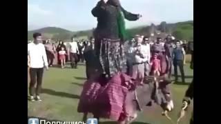 Танец бомба