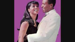 Marvin Gaye & Tammi Terrell - Ain't Nothing Like the Real Thing
