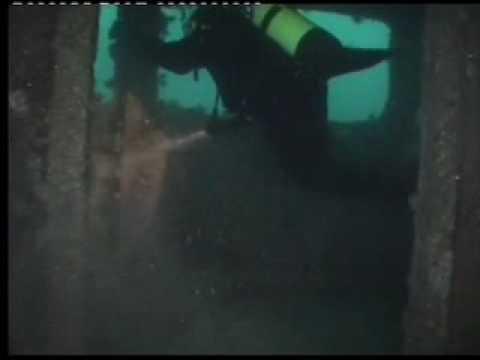 Das Wrack des Supertankers, Wrack Haven (ehem. Amoco Milford Haven),Italien