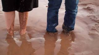 Stuck in Quicksand - Sinking Sand and Water Quick Sand Girls [HD]