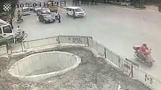 faze tari un idiot pe scooter