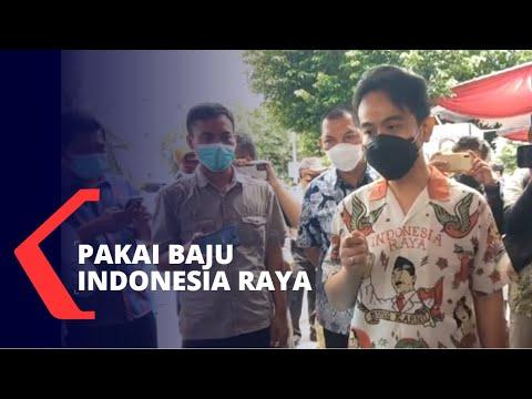 Wali Kota Solo Gibran Pakai Baju Indonesia Raya Kunjungi Pasar