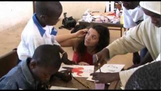 preview picture of video 'L'àfrica a l'escola, l'escola a l'àfrica'