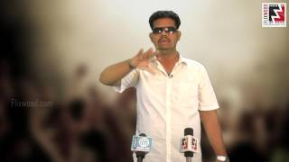 Ajaykanth wishes Puli team success | Flixwood