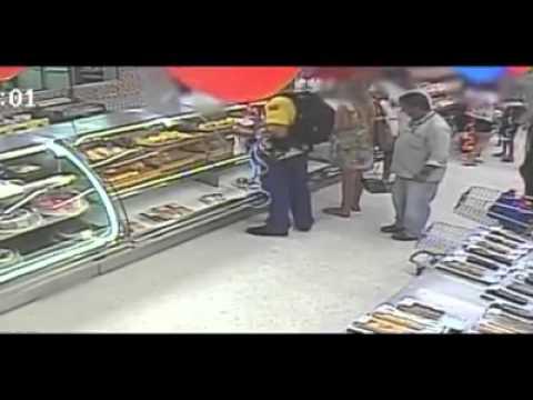 Pedófilo preso após filmar menina em Supermercado