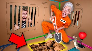 Escape From CARDBOARD PRISON Challenge !
