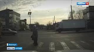 Неуправляемый трамвай пронёсся по Барнаулу и врезался во впереди идущий вагон