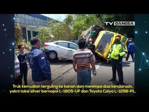 Kecelakaan Karambol di Medaeng Sidoarjo, Truk Tabrak Tiga Mobil Hingga Terguling