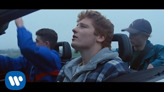 Castle On The Hill - Ed Sheeran (Video)