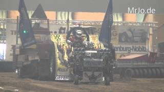 preview picture of video 'Modified 2,5t + 3,5t @ Riesa Tractor Pulling 2014'