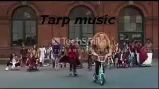 MACKLEMORE & RYAN LEWIS THRIFT SHOP FEAT WANZ OFFICIAL VIDEO 1h