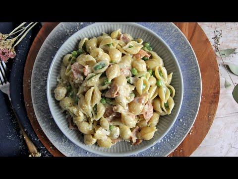 Creamy Pasta with Prosciutto and Peas