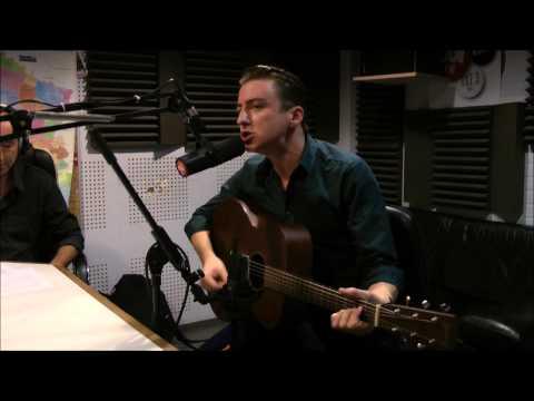Eugene McGuinness - Sugarplum - Session Acoustique OÜI FM