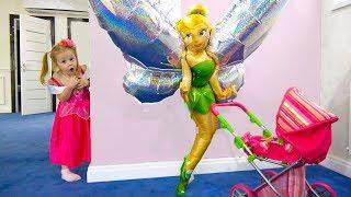 Странные игрушки спрятали куклу Лолу Приключения в загадочном доме