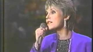 Anne Murray with the Boston Pops - Could I Have This Dance
