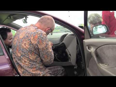 Autosleutelcursus Holthees juli 2011, deel 2: slopen!