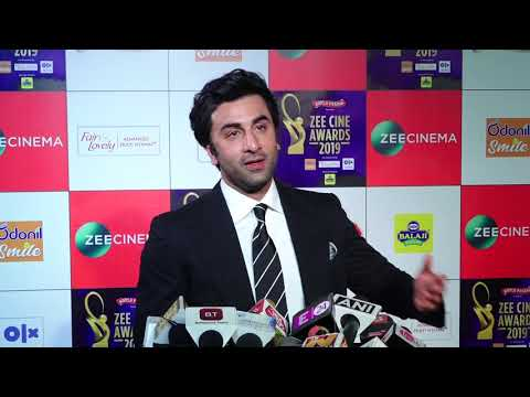 "Ranbir Kapoor On Rishi kapoor: ""He is doing very well & He'll be back soon""| Zee Cine Awards 2019"