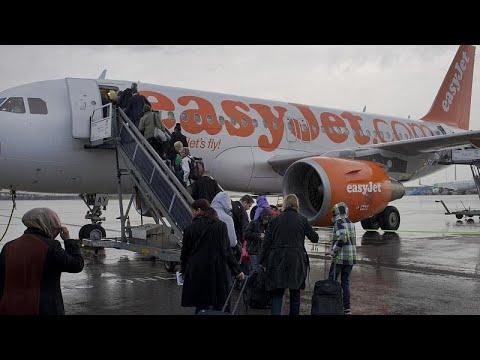 Καθηλώνει όλα τα αεροσκάφη της η easyjet