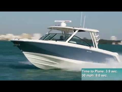 Boston Whaler 320 Vantage video